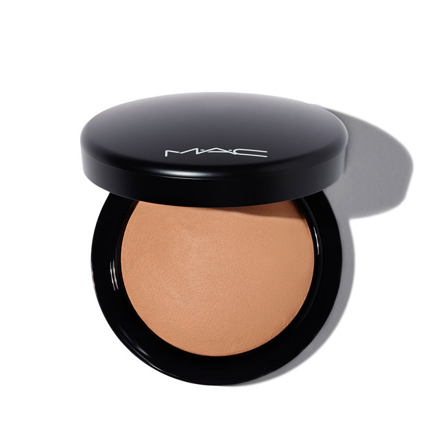 M·A·C Mineralize Skinfinish Natural Powder in Medium Deep