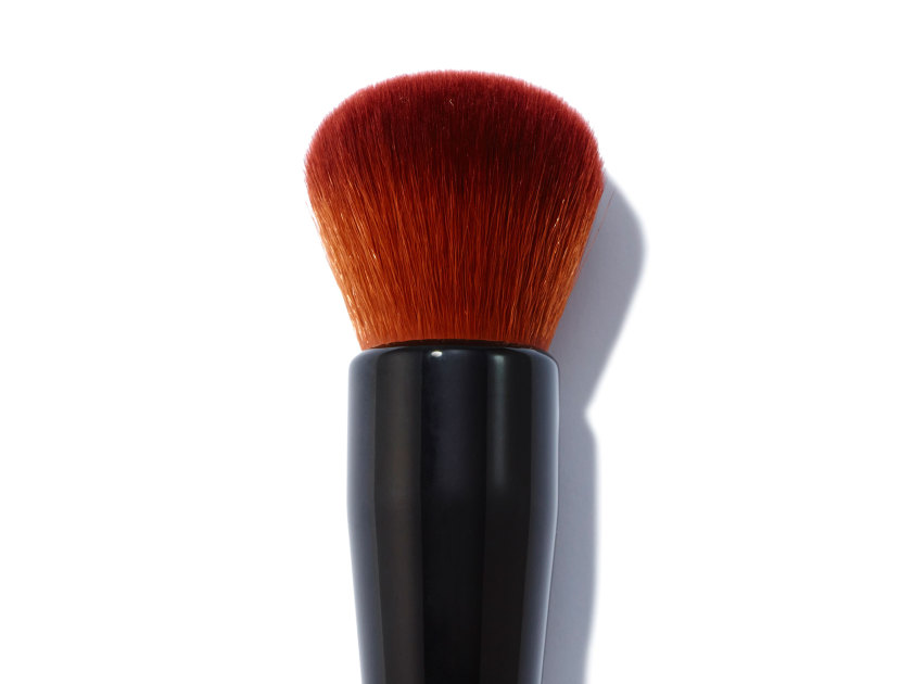 BOBBI BROWN Full Coverage Face Brush | @violetgrey