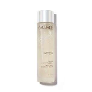 CAUDALIE Vinoperfect Concentrated Brightening Essence | @violetgrey