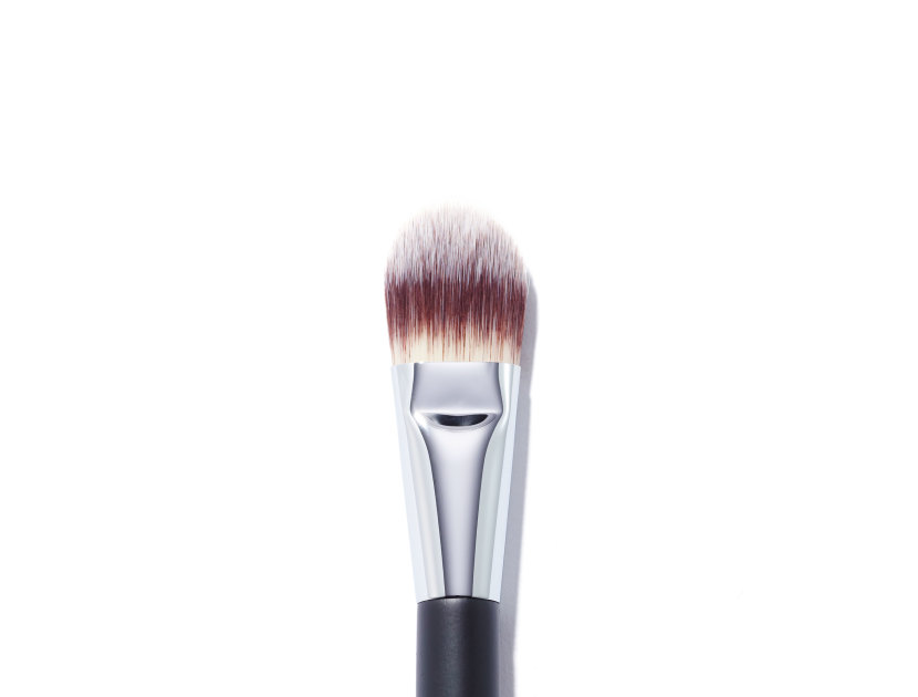 CHANEL Pinceau Fond De Teint Foundation Brush #6 | @violetgrey