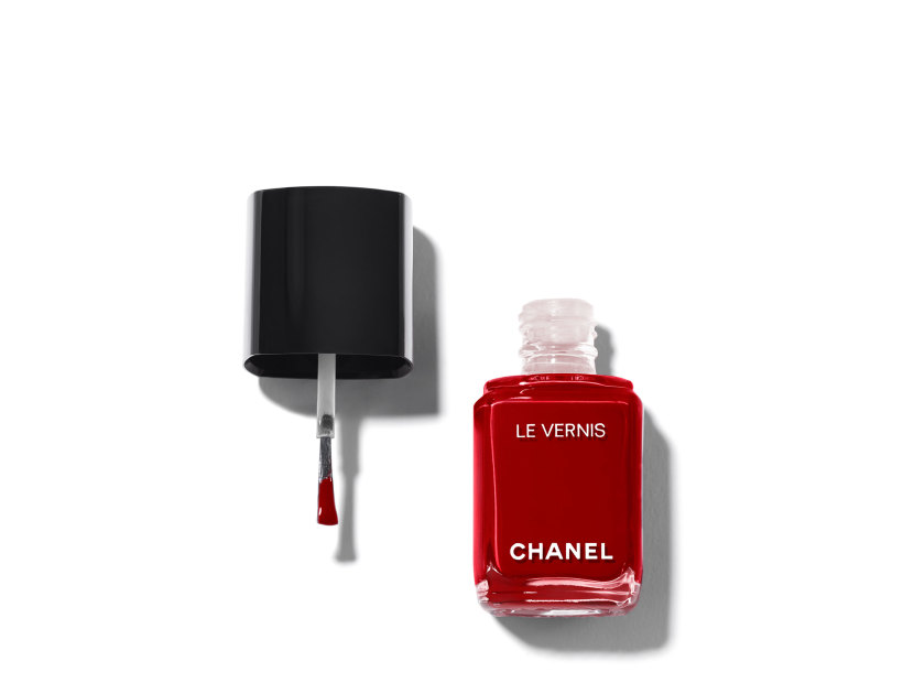 CHANEL Le Vernis Longwear Nail Colour - 08 Pirate | @violetgrey