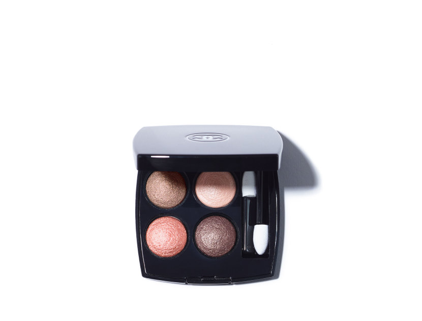 Chanel Les 4 Ombres Multi-Effect Quadra Eyeshadow in 204 Tissé Vendôme | Shop now on @violetgrey https://www.violetgrey.com/product/les-4-ombres-multi-effect-quadra-eyeshadow/CHN-164204