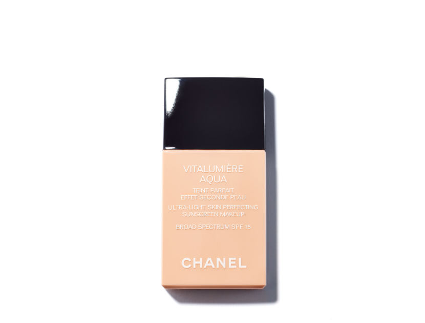 Chanel Vitalumière Aqua Ultra-Light Skin Perfecting Sunscreen Makeup Broad Spectrum SPF15 in 22 Beige Rosé | Shop now on @violetgrey https://www.violetgrey.com/product/vitalumiere-aqua-ultra-light-skin-perfecting-sunscreen-makeup-broad-spectrum-spf15/CHN-170826