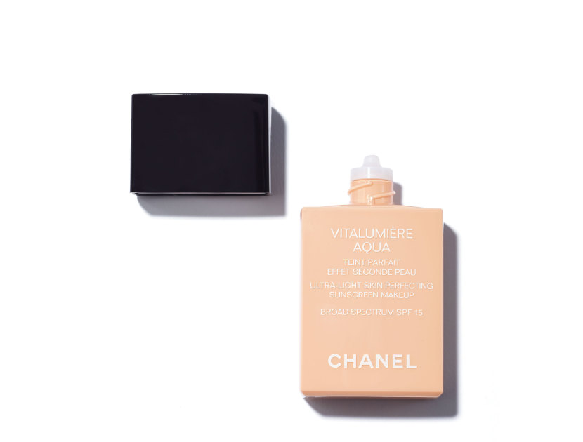 Chanel Vitalumière Aqua Ultra-Light Skin Perfecting Sunscreen Makeup Broad Spectrum SPF15 in 40 Beige | Shop now on @violetgrey https://www.violetgrey.com/product/vitalumiere-aqua-ultra-light-skin-perfecting-sunscreen-makeup-broad-spectrum-spf15/CHN-170896