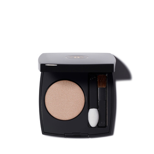 CHANEL Ombre Premiere Longwear Powder Eyeshadow - 28 Sable | @violetgrey