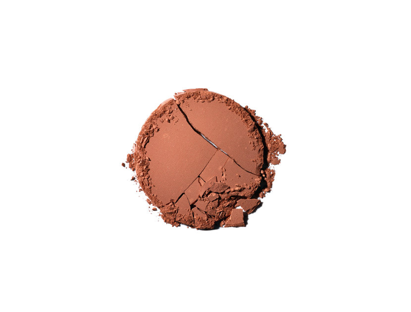 Chanel Les Beiges Healthy Glow Sheer Colour SPF 15 in N°70 | Shop now on @violetgrey https://www.violetgrey.com/product/les-beiges-healthy-glow-sheer-colour-spf-15/CHN-186476
