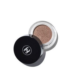 CHANEL Illusion D'Ombre Long Wear Luminous Eyeshadow - Mirage | @violetgrey