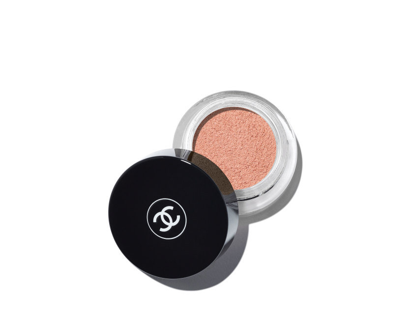 CHANEL Illusion D'Ombre Velvet Long Wear Luminous Matte Eyeshadow - Melody | @violetgrey