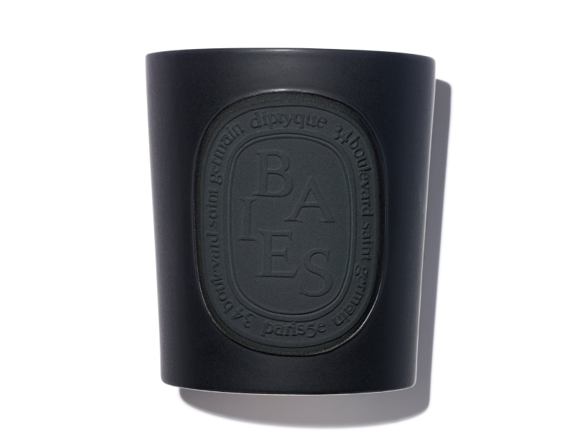 Diptyque Baies Indoor/Outdoor Candle in 51.3 oz | Shop now on @violetgrey https://www.violetgrey.com/product/baies-indoor-slash-outdoor-candle/DIP-B1500