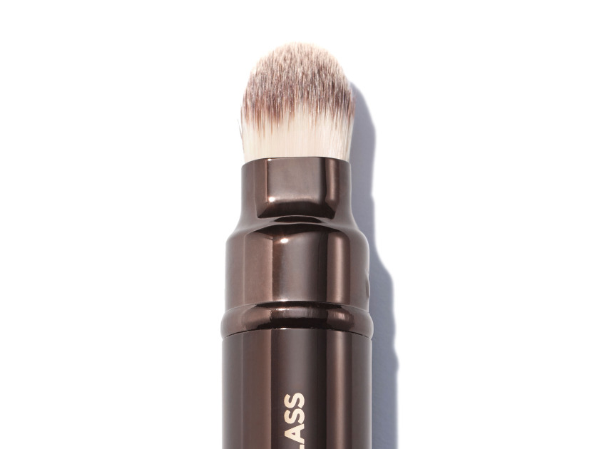 HOURGLASS Retractable Double-ended Complexion Brush | @violetgrey