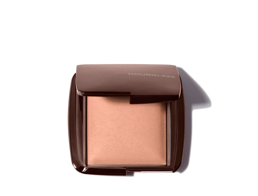 Hourglass Ambient Lighting Powder in Radiant Light | Shop now on @violetgrey https://www.violetgrey.com/product/ambient-lighting-powder/HOU-CPDA218