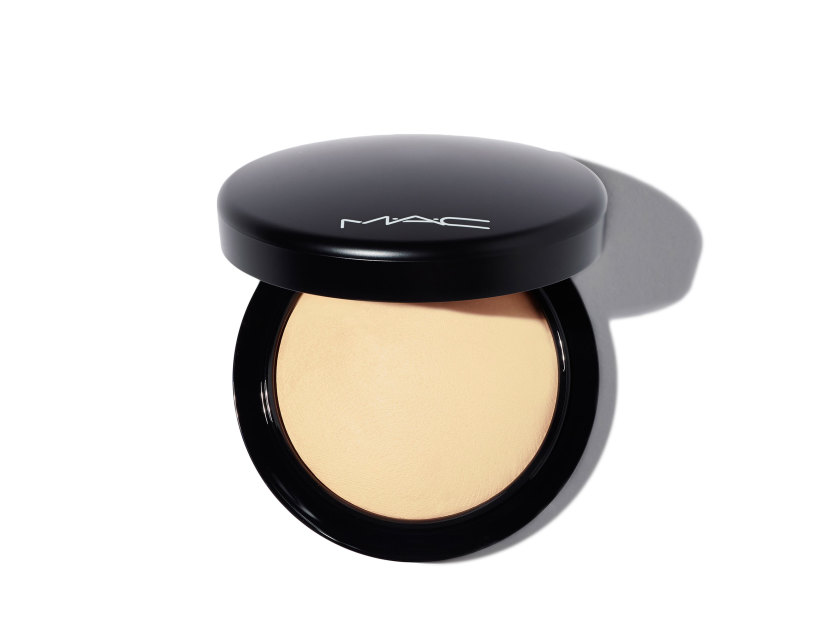 M·A·C Mineralize Skinfinish Natural Powder - Medium | @violetgrey