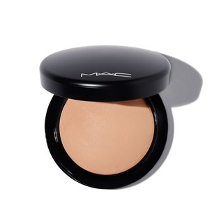 M·A·C Mineralize Skinfinish Natural Powder - Medium Dark | @violetgrey