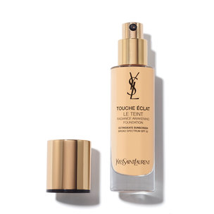 YVES SAINT LAURENT Le Teint Touche Éclat Foundation - Beige Rose 20 | @violetgrey