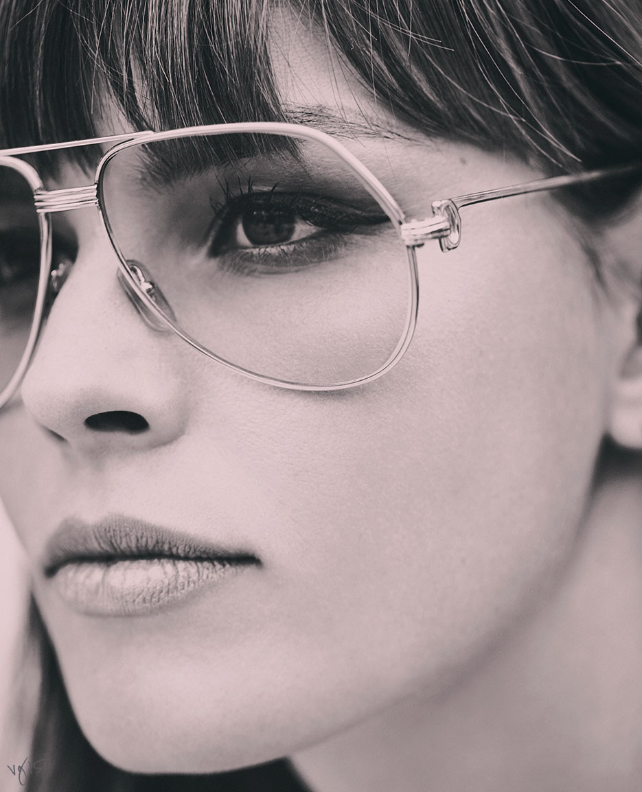 HOW TO WEAR MAKEUP & GLASSES | THE VIOLET FILES | @violetgrey