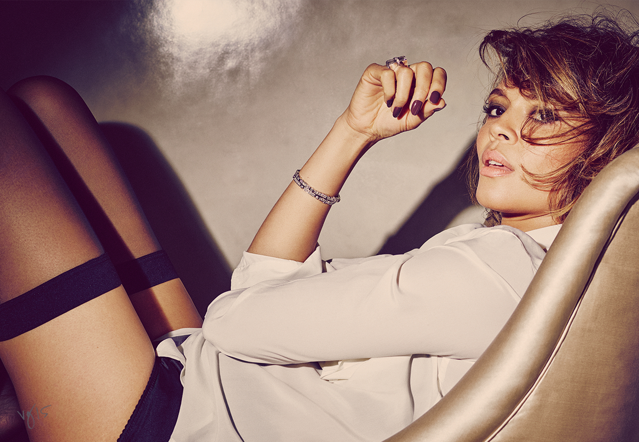 Oprah Winfrey talks to her Selma co-star, Carmen Ejogo, on their Oscar-nominated film and the appropriate number of baths one should take per day  |  #VioletGrey, The Industry's Beauty Edit
