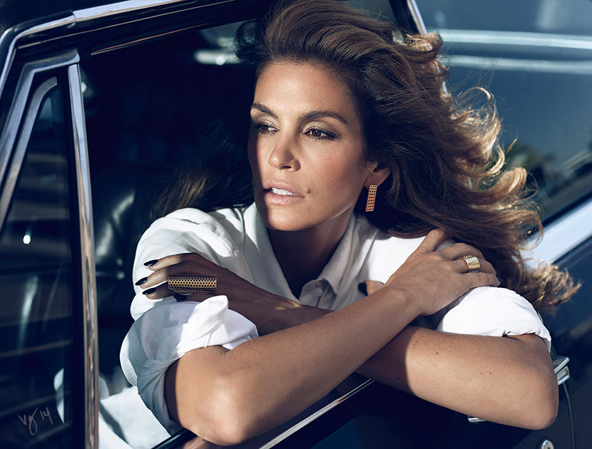 Makeup artist Dotti's guide to Cindy Crawford's cocoa smoky eyes and contoured cheeks | #VioletGrey