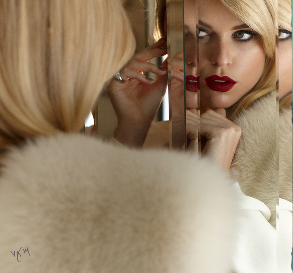 in the makeup chair alice eve violet grey
